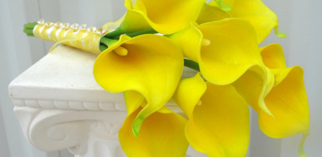 Yellow wedding flower & bouquet inspiration