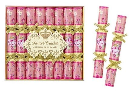 Crackers wedding favours | Cheap wedding favours under £1 | realwedding.co.uk