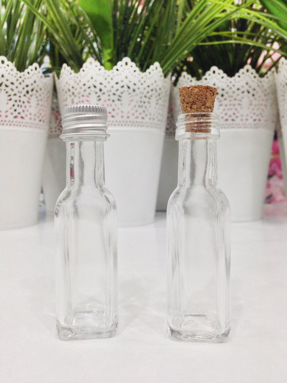 Glass Bottles wedding favours | Cheap wedding favours under £1 | realwedding.co.uk