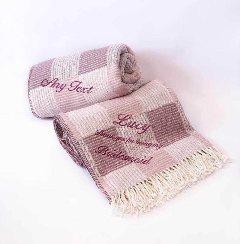 Unusual & Personalised Wedding Favour Ideas l Soft Dusky Heather Blanket