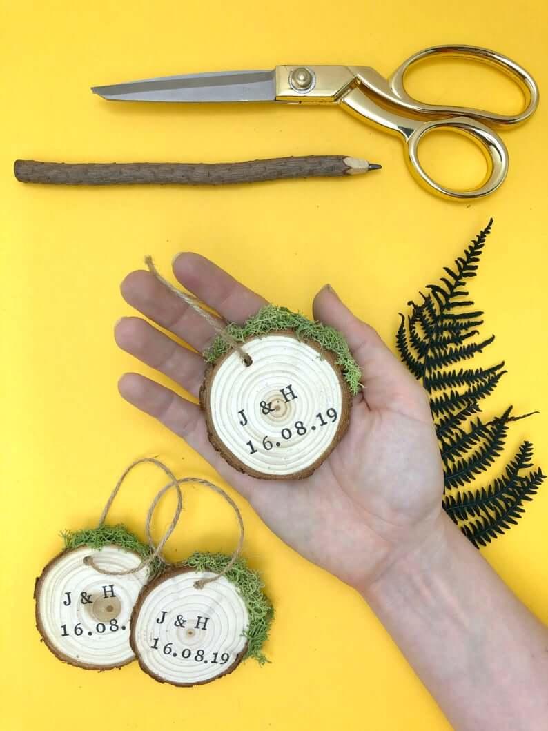 Unusual & Personalised Wedding Favour Ideas l Wood Slice