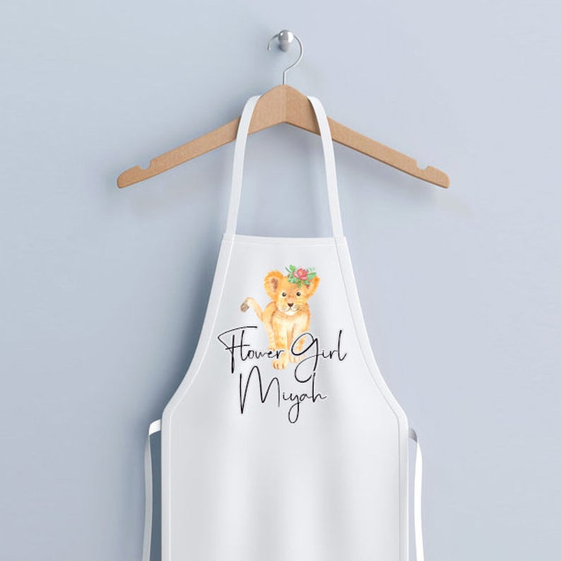 Unusual & Personalised Wedding Favour Ideas l Flower Girl Apron