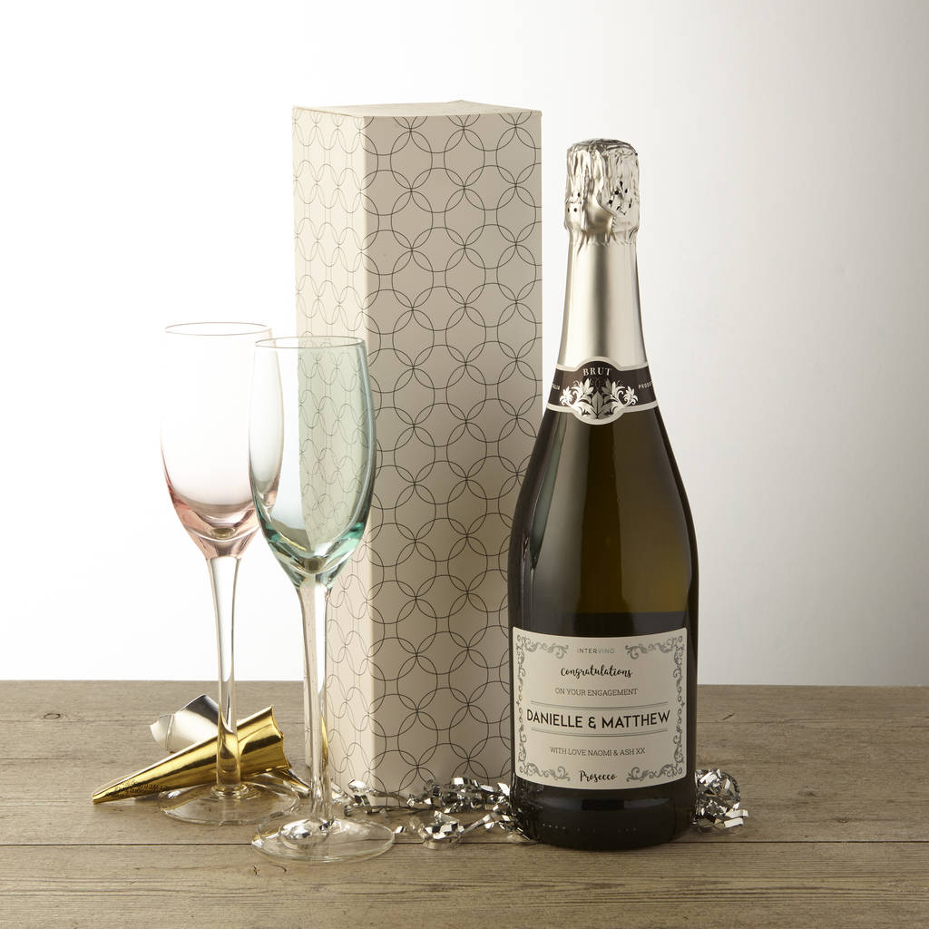 Unusual & Personalised Wedding Favour Ideas l Personalised Prosecco