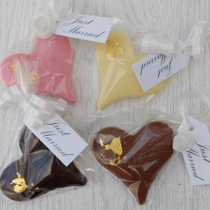 Heart chocolate wedding favours | Cheap wedding favours under £1 | realwedding.co.uk