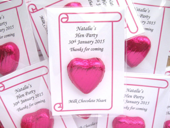 Heart cards wedding favours | Cheap wedding favours under £1 | realwedding.co.uk