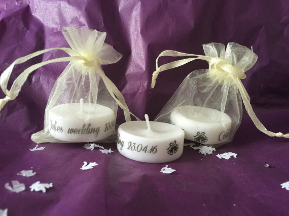 Personalised candles wedding favours | Cheap wedding favours under £1 | realwedding.co.uk