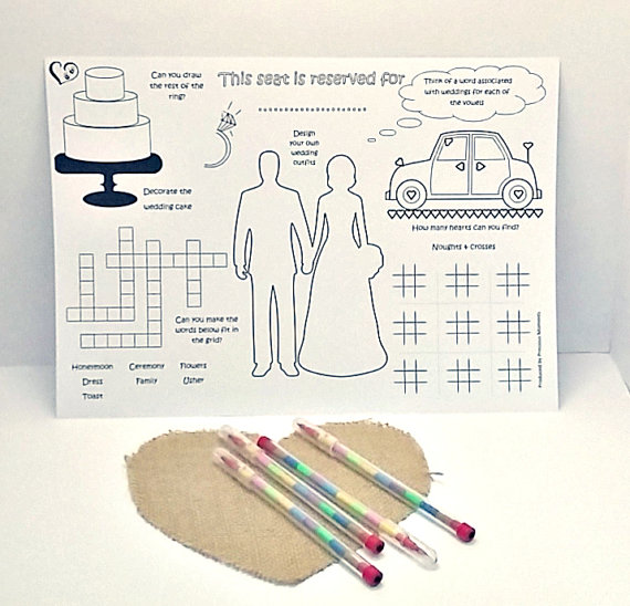Activity place mat wedding favours | Cheap wedding favours under £1 | realwedding.co.uk