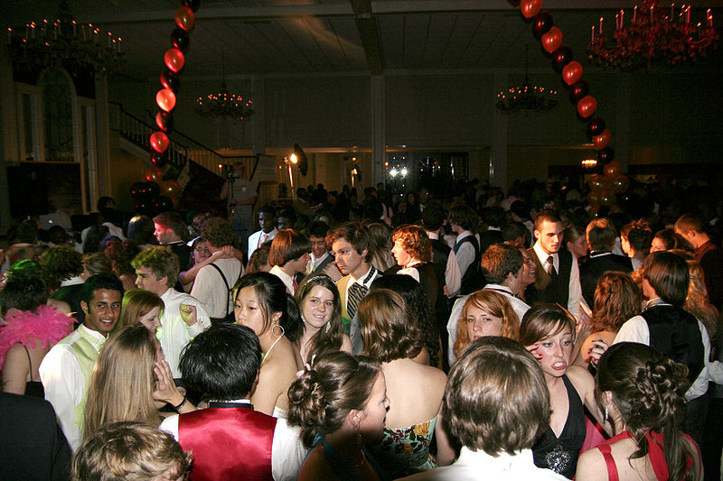 Let's Get This Party Started! Packing The Dance Floor At Your Wedding