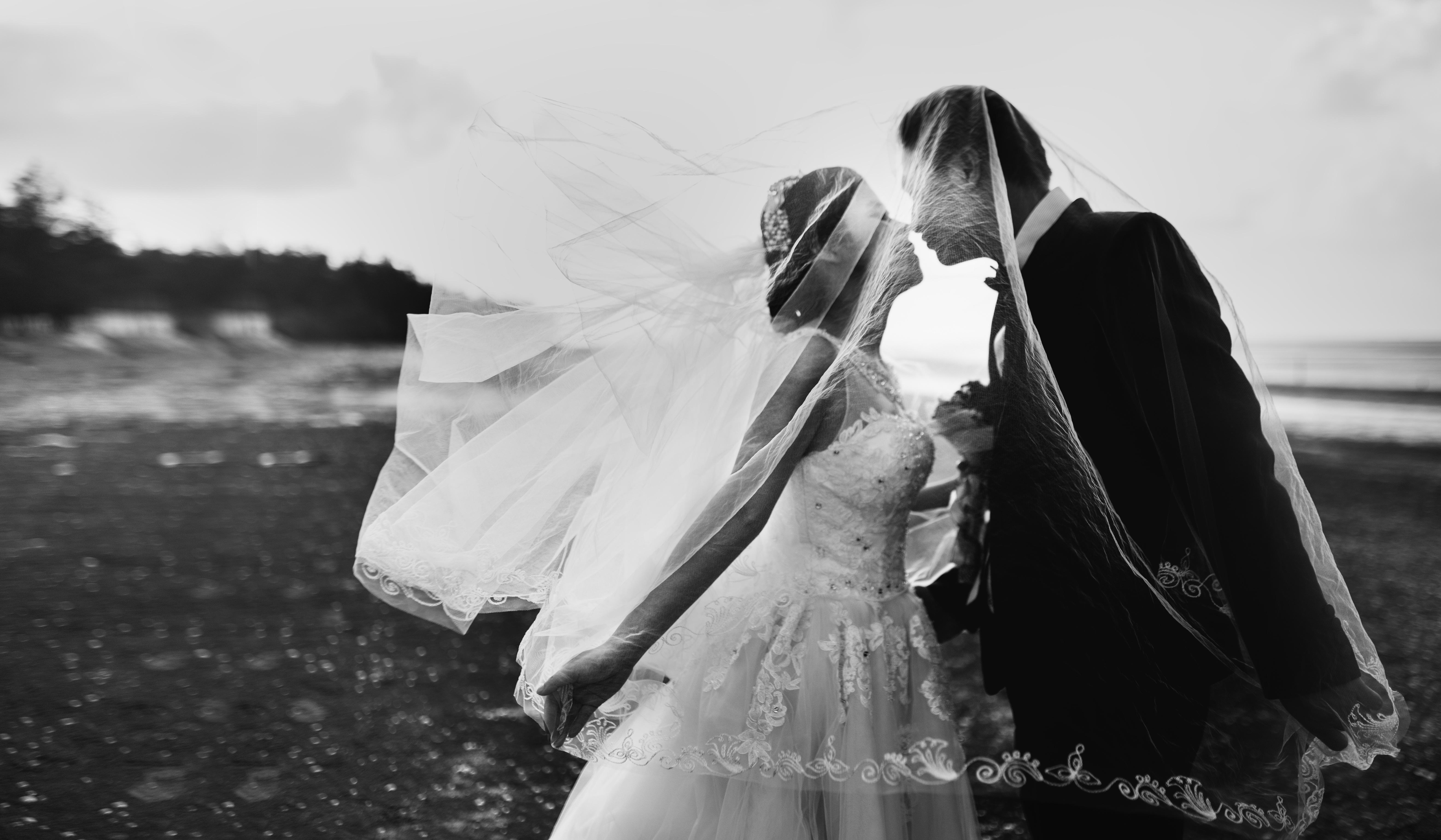 Autumn Weddings Emergency Guide For Rainy Days Real Wedding