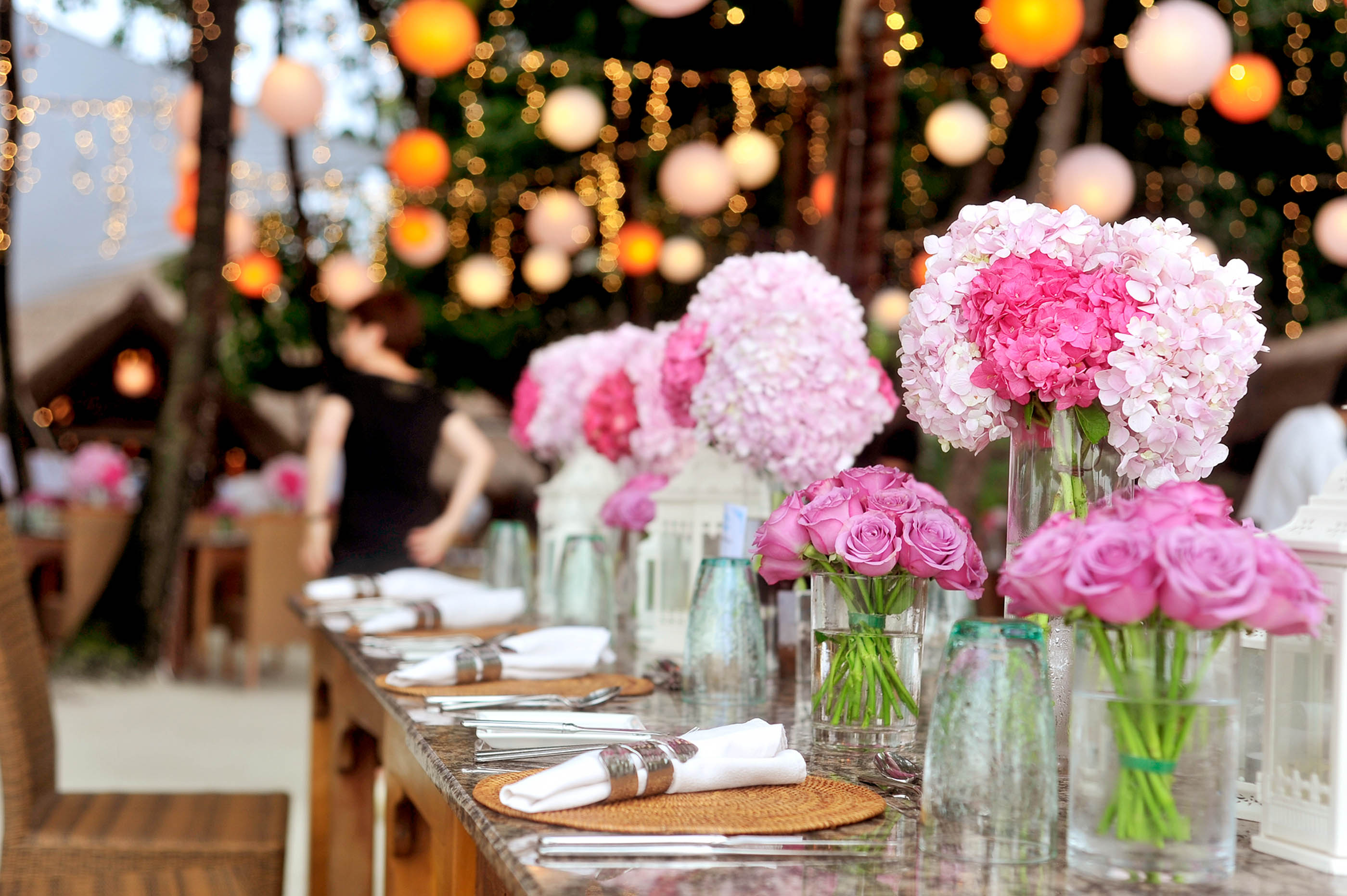 How To Make Those Wedding Reception Tables Extra Special