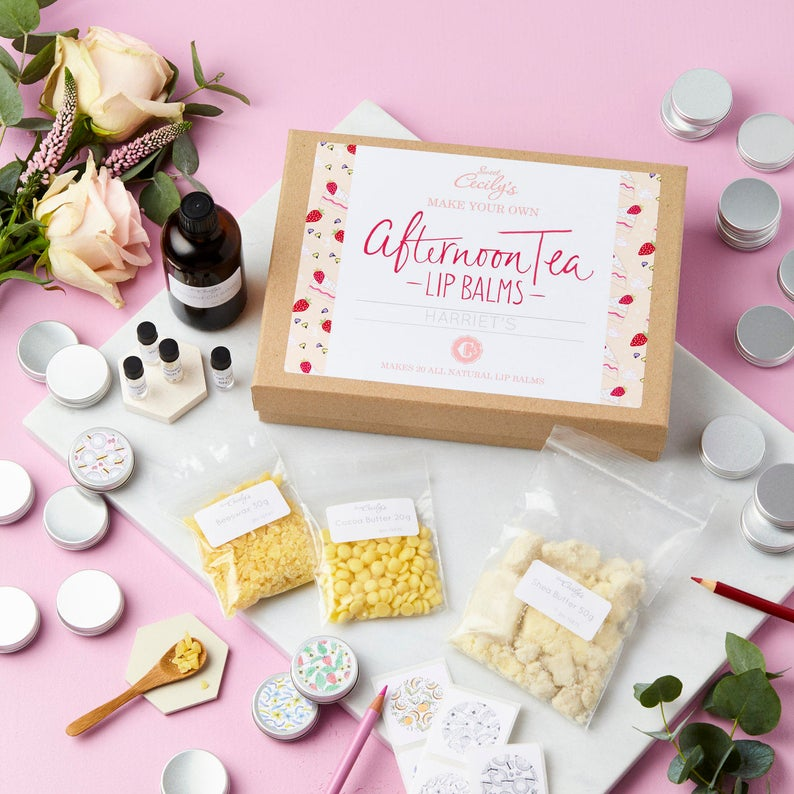 DIY  & Handmade Wedding Favour IdeasMake Your Own Lip Balm Favours