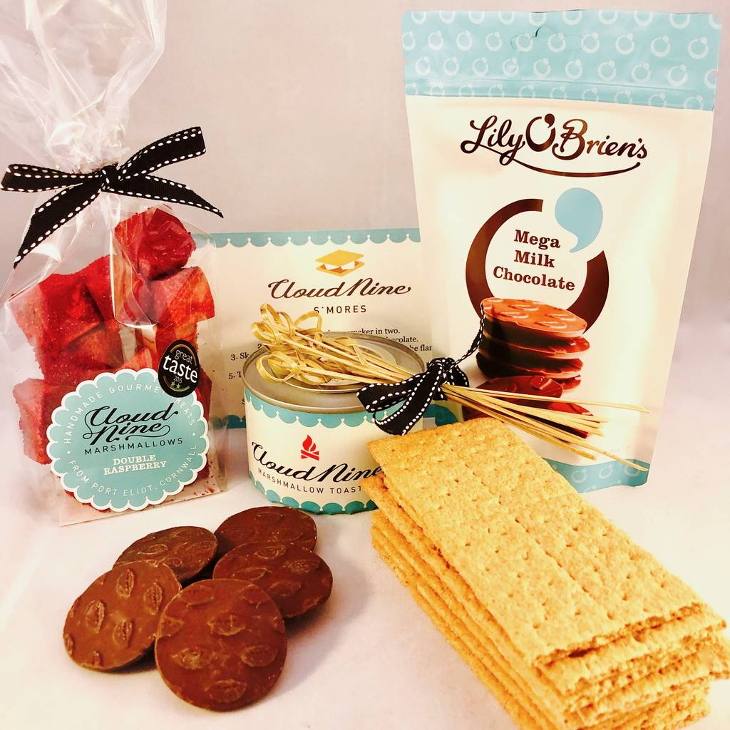DIY  & Handmade Wedding Favour Ideas l Cloud Nine Marshmallows' Luxury S'mores Kit