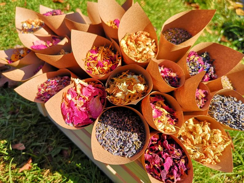 DIY  & Handmade Wedding Favour Ideas l DIY Flower Confetti Cones