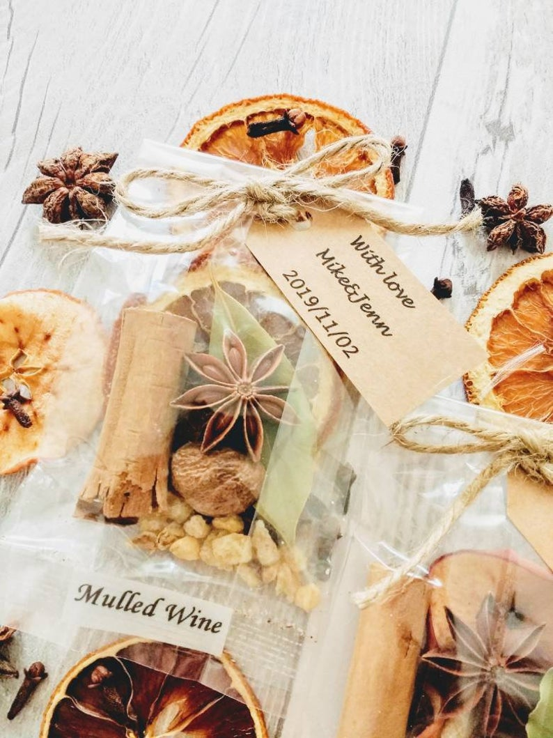 DIY  & Handmade Wedding Favour Ideas l DIY Mulled Wine Spices