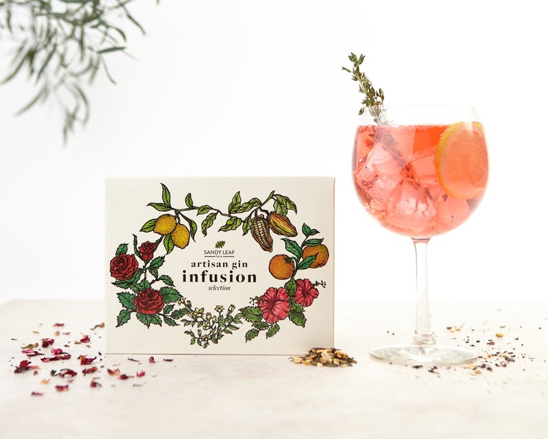 DIY  & Handmade Wedding Favour Ideas l Gin Infusion Kit