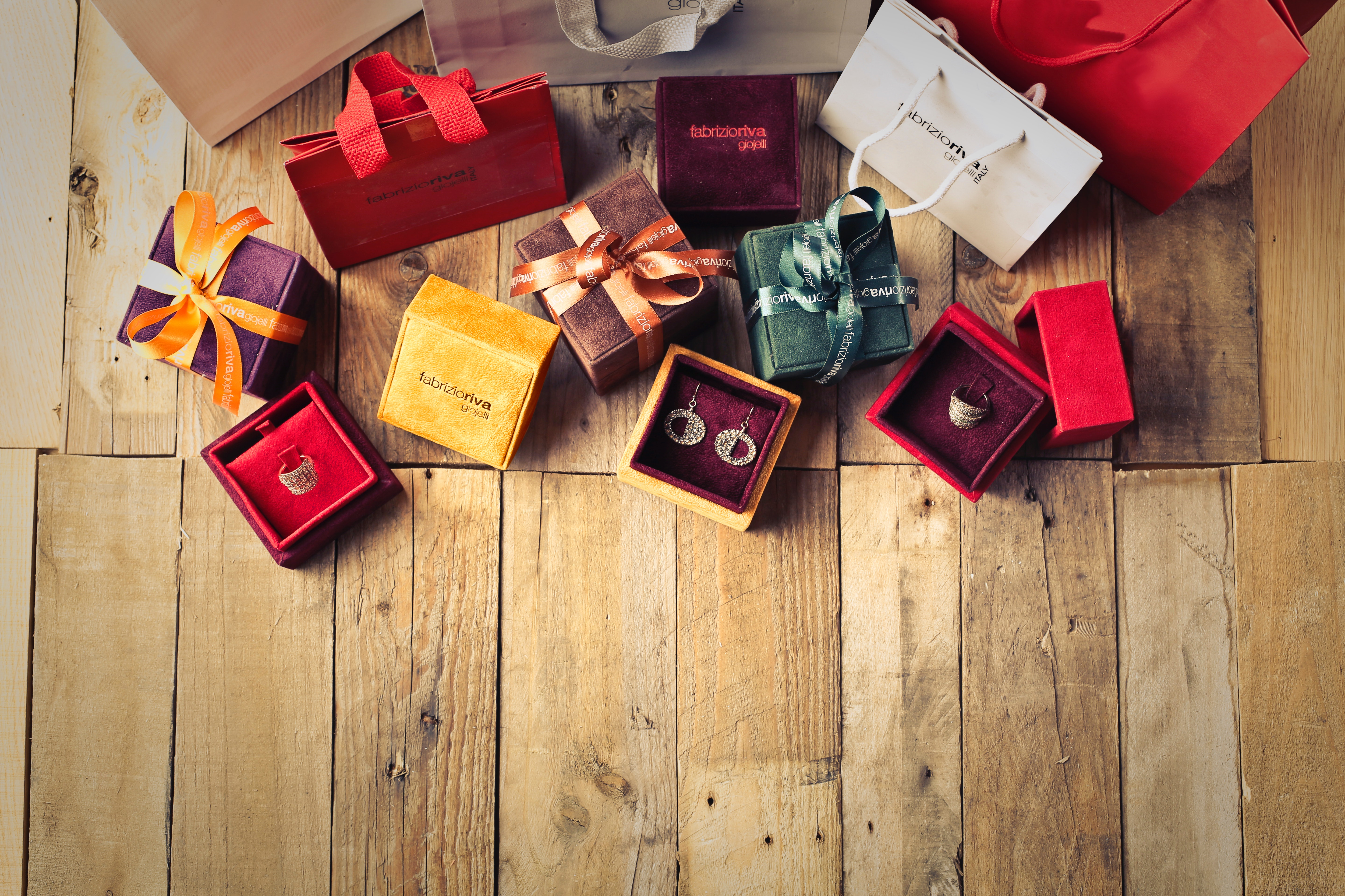 Cheap Christmas Gift Ideas Under £10 - Real Wedding