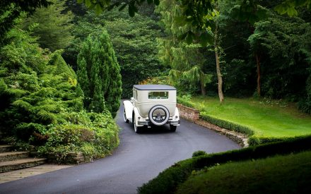 Guide To Picking Your Wedding Transportation