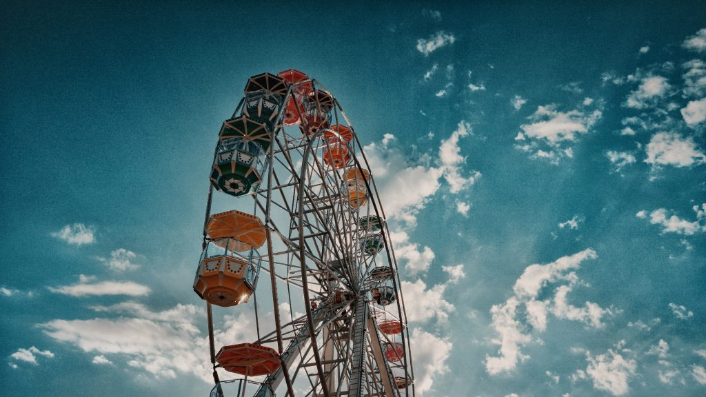 Unique Wedding Ideas: Ferris Wheels, Dodgems, Bumper Cars, Oh My!