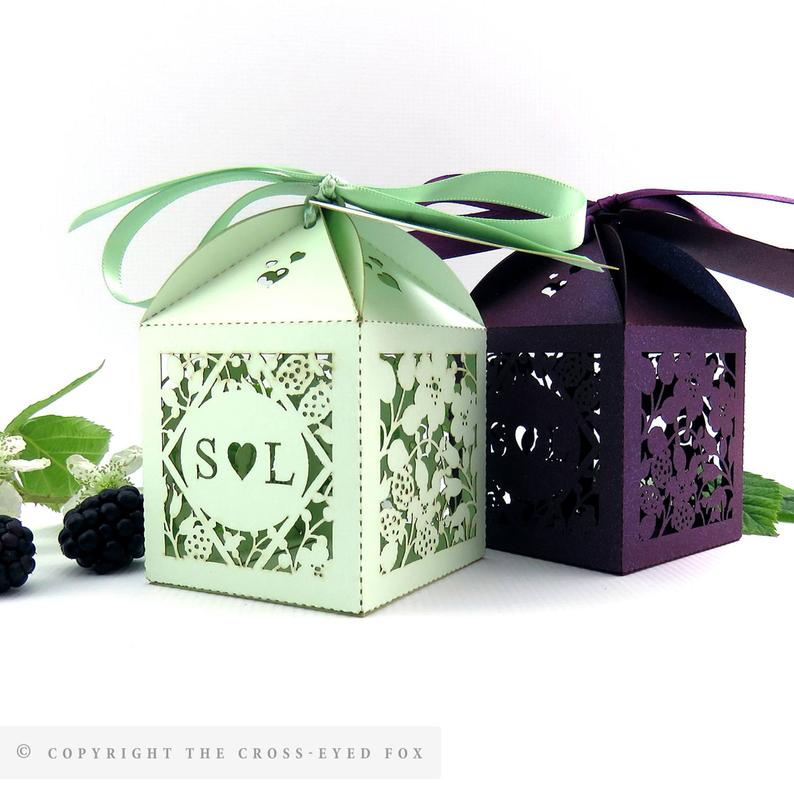 Rustic Wedding Favor Box | 100 Cheap Wedding Favour Ideas For Under £1 Each! | realwedding.co.uk