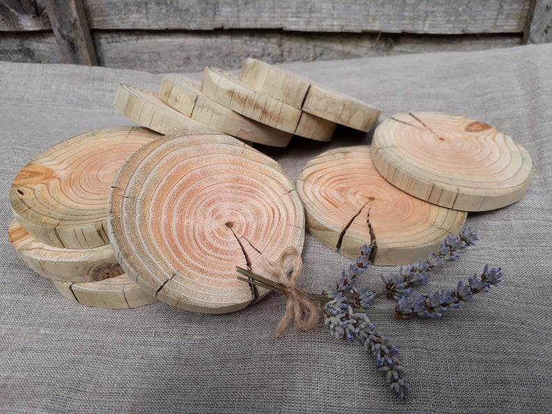 realwedding.co.uk | 100 Cheap Wedding Favour Ideas For Under £1 Each! | Recycled Wood Slices Disks