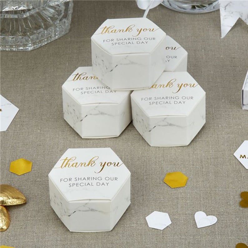 realwedding.co.uk | 100 Cheap Wedding Favour Ideas For Under £1 Each! | Thank You Favor Boxes