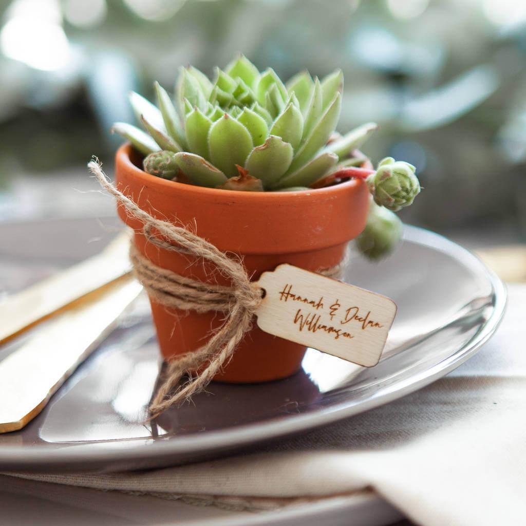 Personalised Wedding Favour Gift Tag l realwedding.co.uk | 57 Wedding Favour Ideas Under £1 |