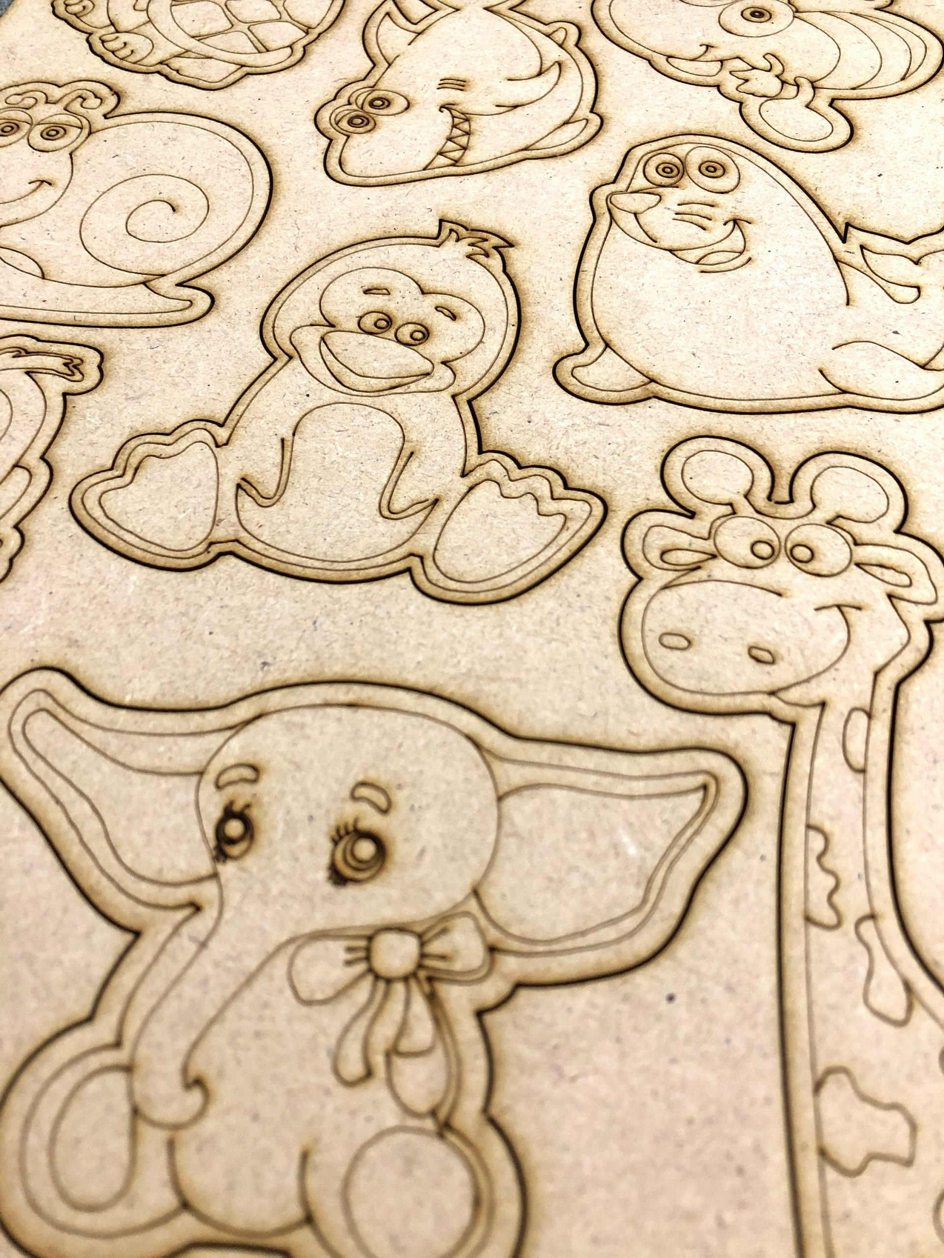 Wooden A4 cute colouring pop out sheet